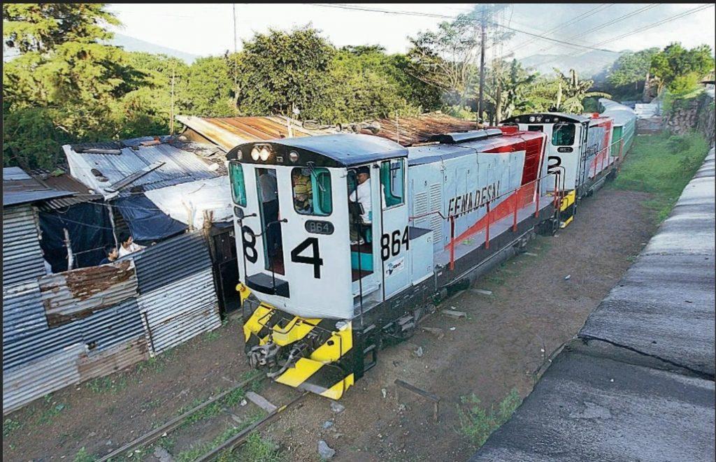 Tren Pacifico
